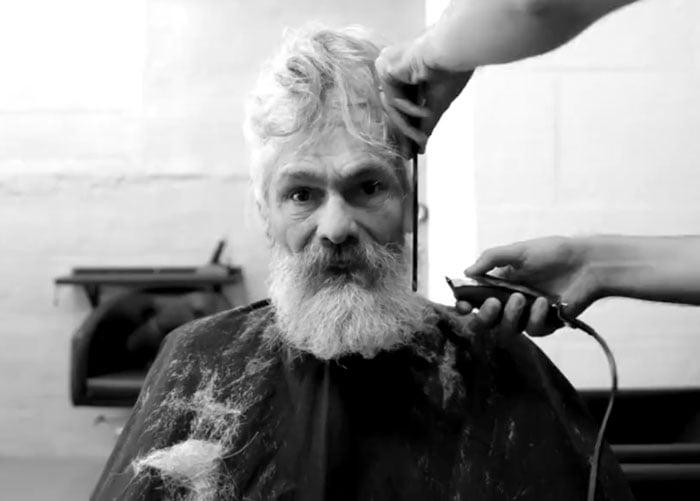 transformación de un hombre sin hogar