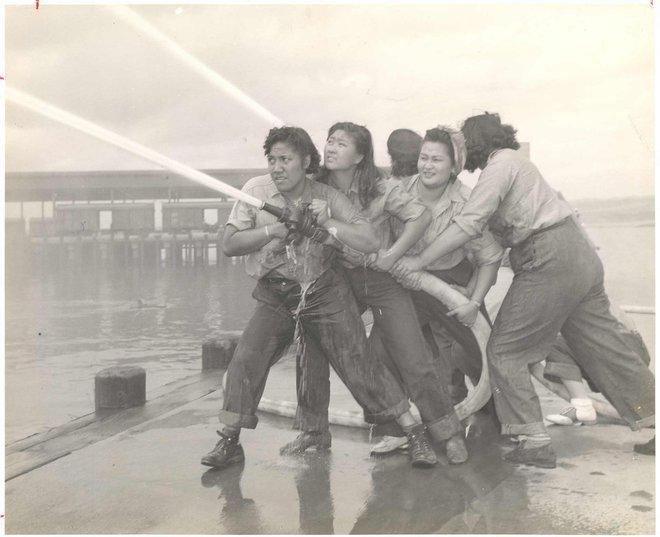 chicas bombero