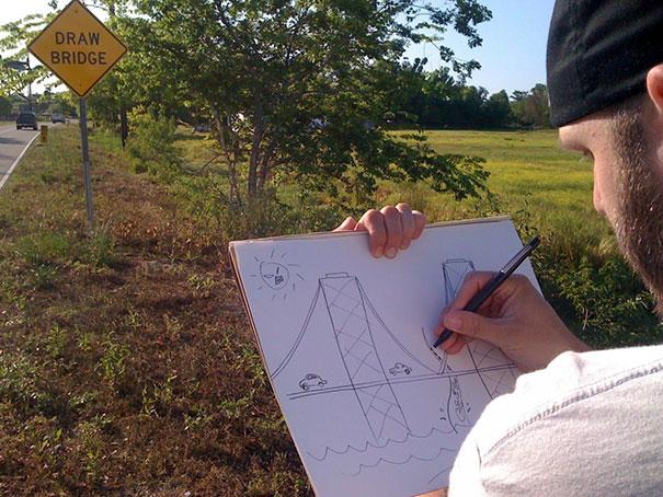 Chico dibujando