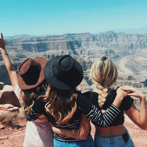 amigas de viaje en el gran cañón
