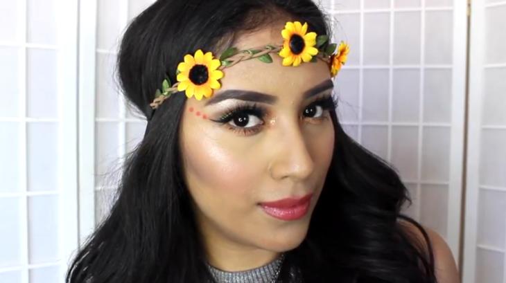 mujer con corona de girasoles