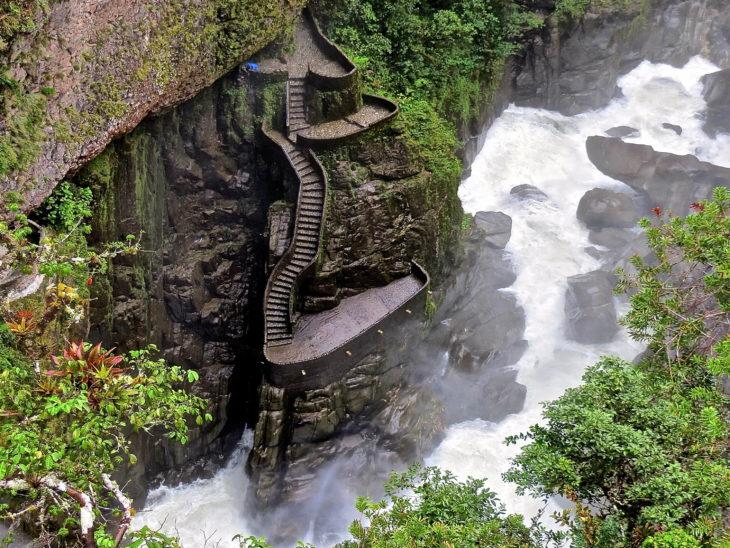 baños del diablo Ecuador