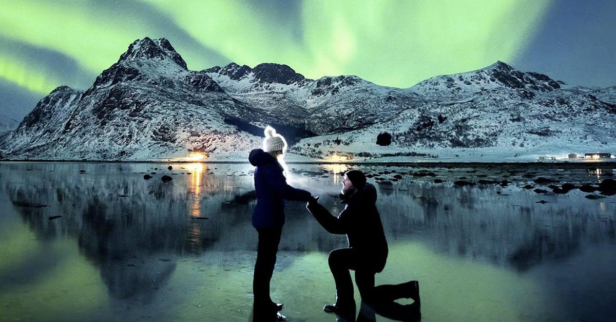 Una impactante propuesta de matrimonio bajo la luz de la Aurora Boreal