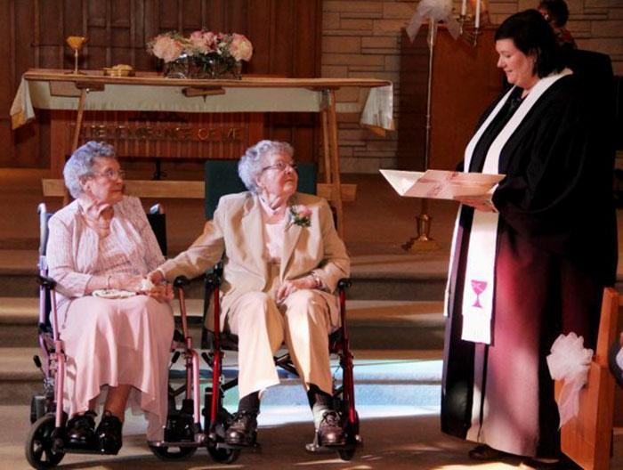 señoras viejas se casan
