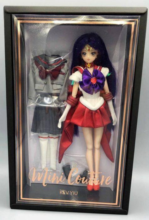 muñeca Barbie en su caja