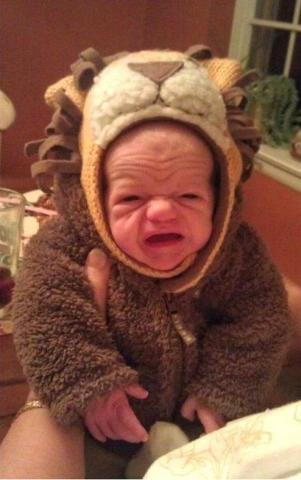 bebé con disfraz