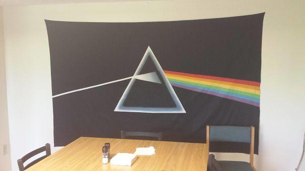 Bandera con la portada del disco de pinkfloyd
