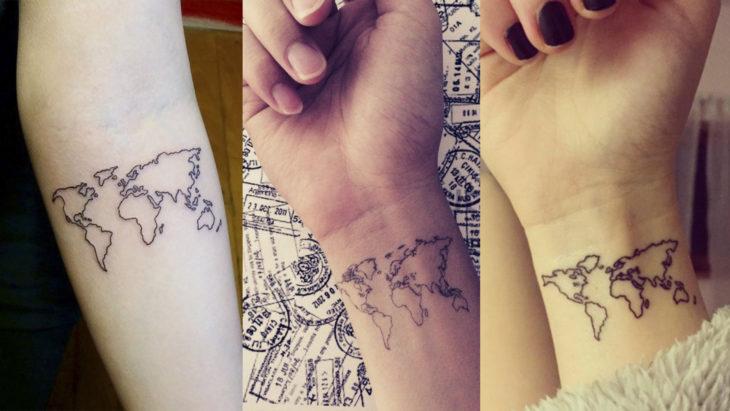 Chicas con un mapa tatuado en el brazo