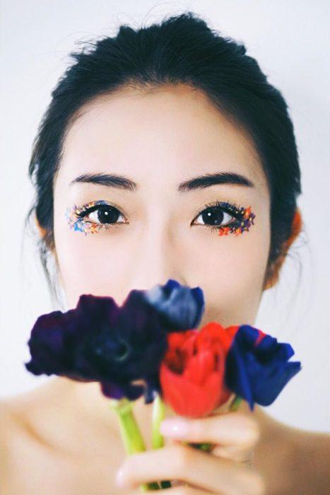 Delineado con flores
