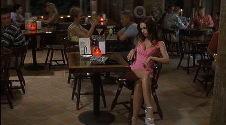 jennifer love hewitt cena vestido rosa