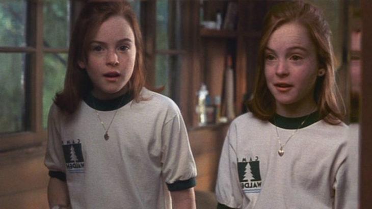 dos niñas pelirrojas gritando
