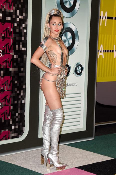 vestido polémico de miley cyrus
