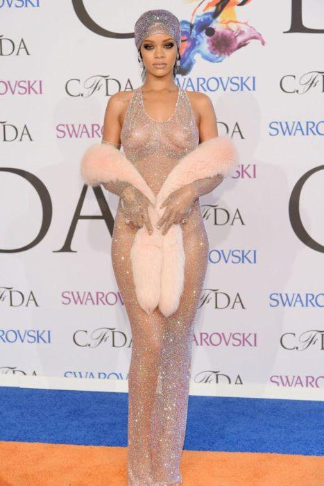 vestido polémico rihana