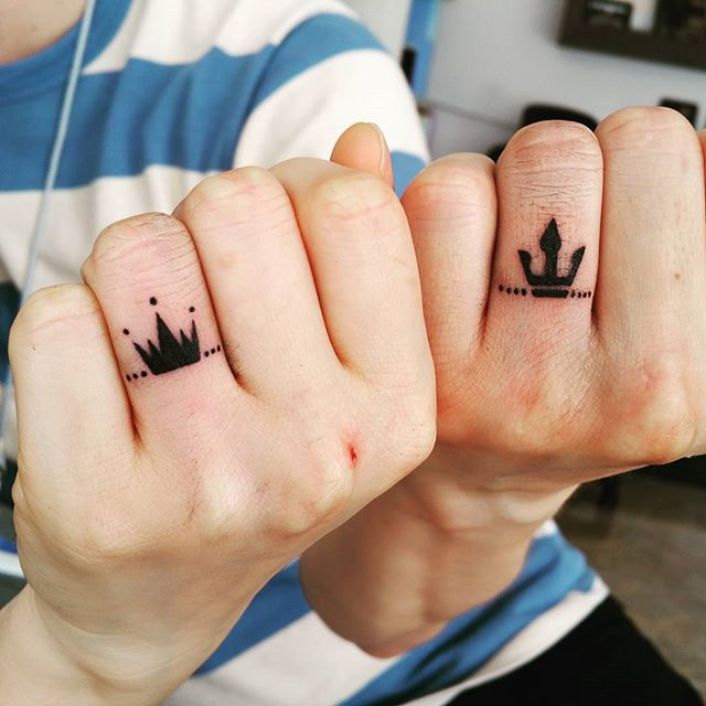 tatuajes de anillos compromiso