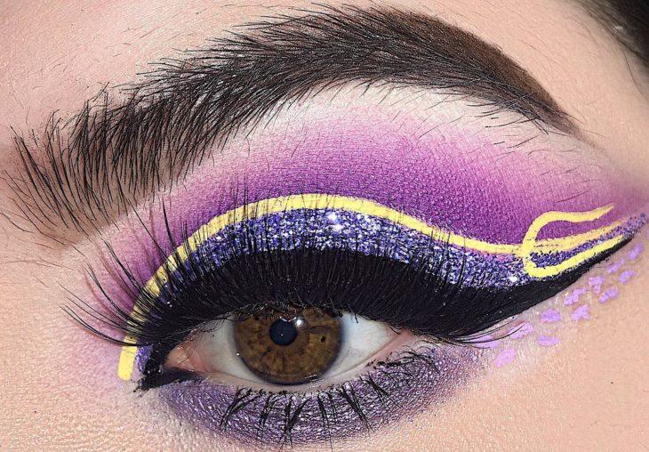 ojo maquillaje de villanos de Disney