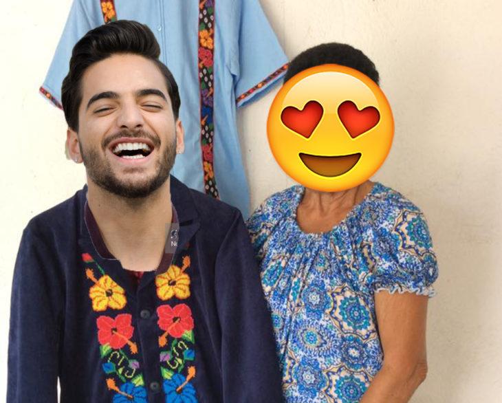 hombre con traje de flores y mujer con cara de emoji