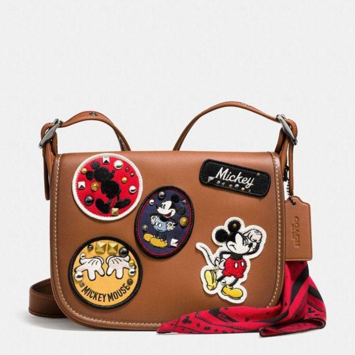 mochila blanca de mickey mouse