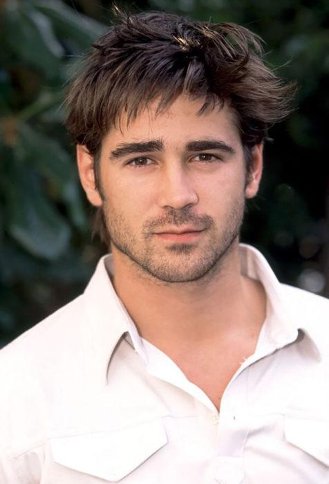 hombre con camisa blanca y barba