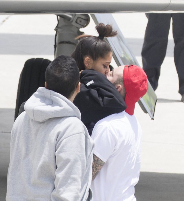 Ariana grande y su novio después del atentado en Manchester