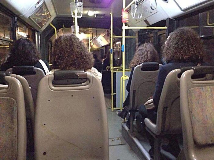 Mujeres con el mismo tipo de cabello