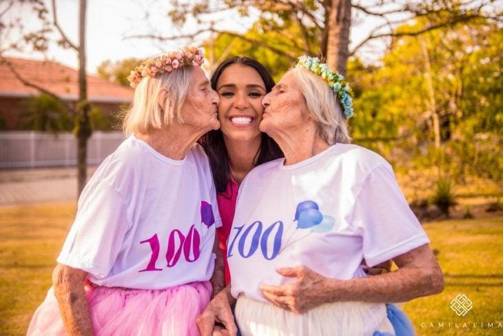 Gemelas celebran 100 años