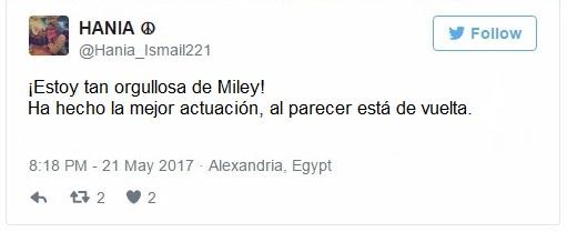 Miley Cyrus canta Malibu y termina llorando (2)