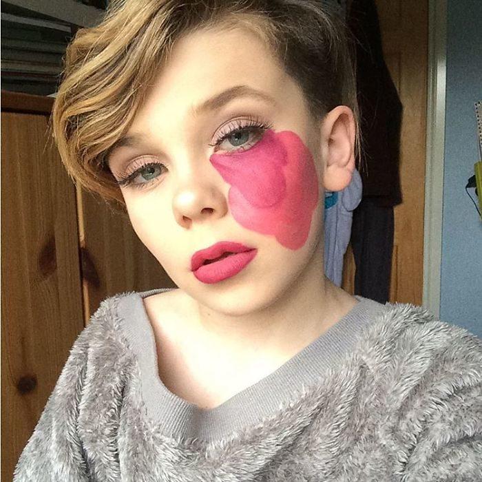 Niño de 10 años que se maquilla