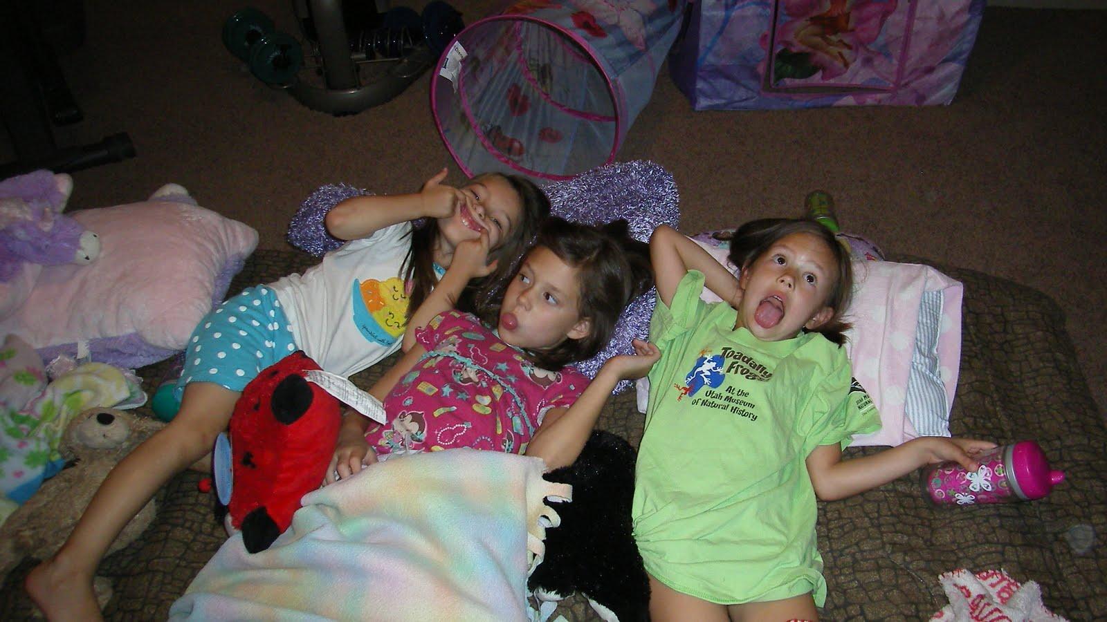 Sleepover little girls