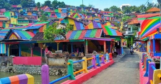 Un pueblo indonesio se transforma en un destino lleno de color
