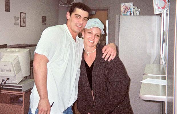 Britney Spears y Jason Alexander