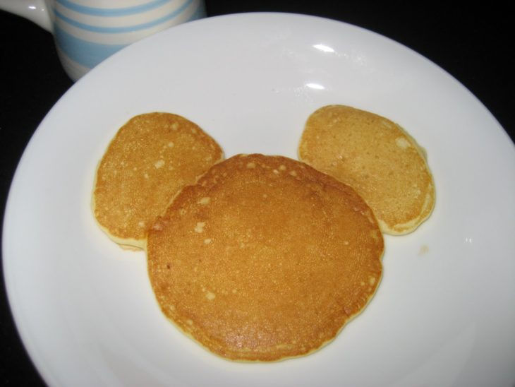 hot cakes en forma de mickey mouse