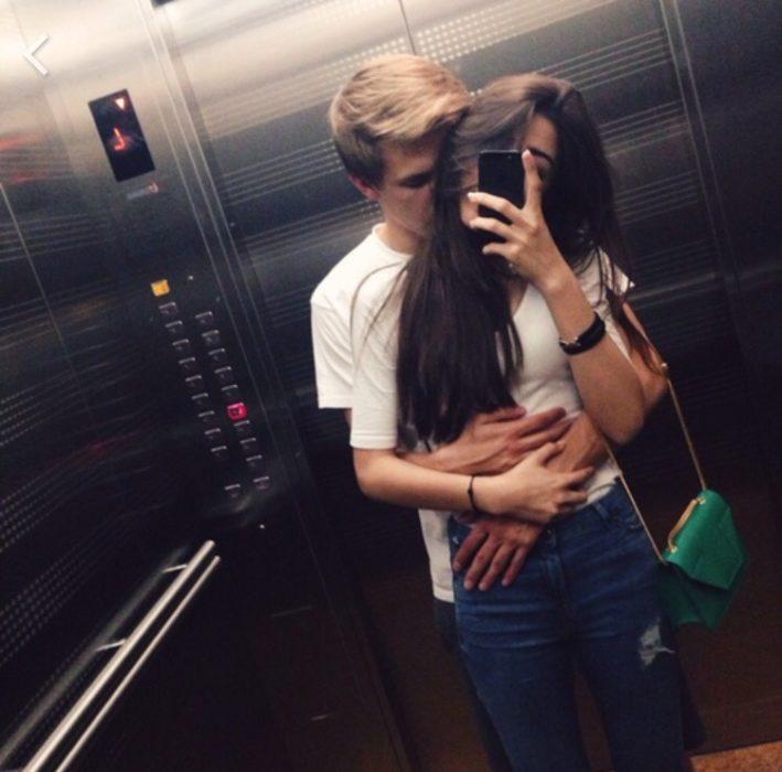 pareja millennial 7