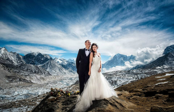 pareja se casa en el everest 1