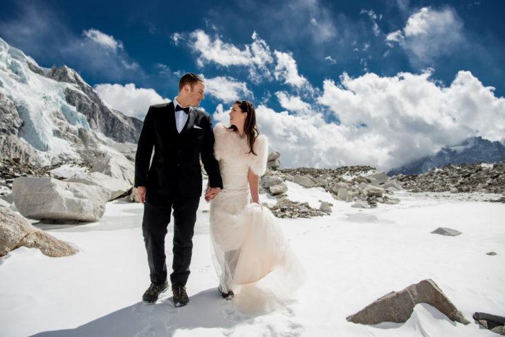 pareja se casa en el everest 3