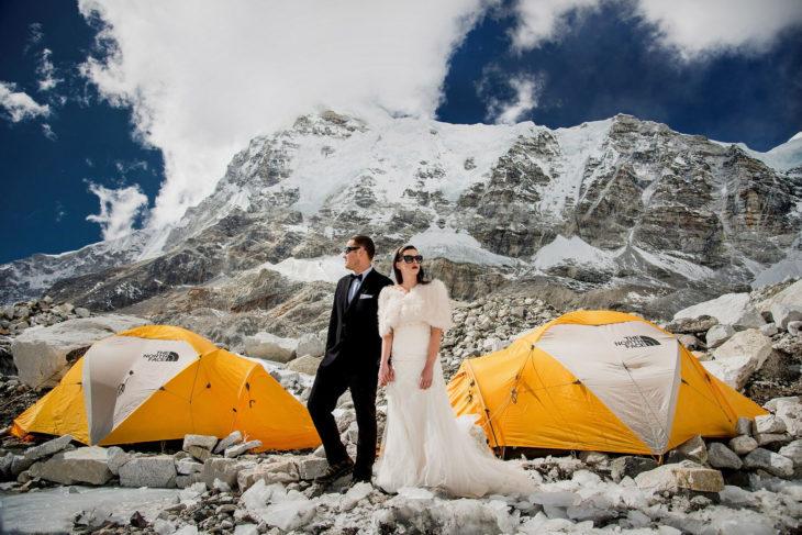 pareja se casa en el everst 6