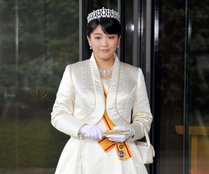 princesa japón renuncia su título