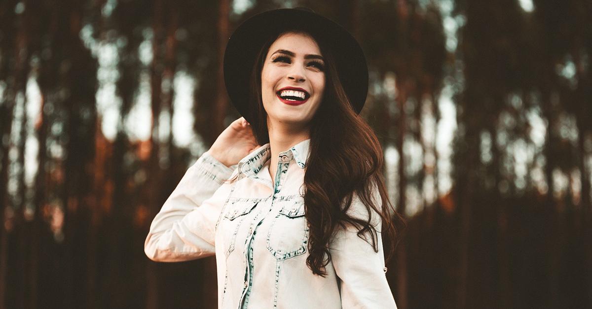 Estudio revela que las personas solteras son felices tanto o más que las que tienen pareja