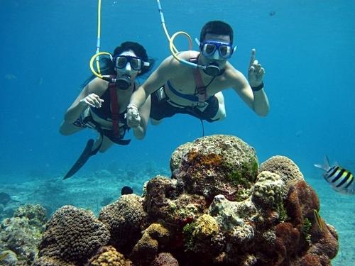snuba diving pareja
