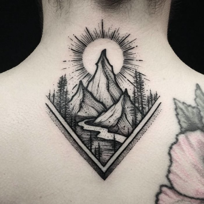 cuello tattoo