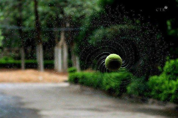 pelota de tenis girando