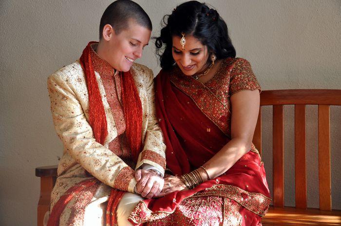 pareja de mujeres hindu