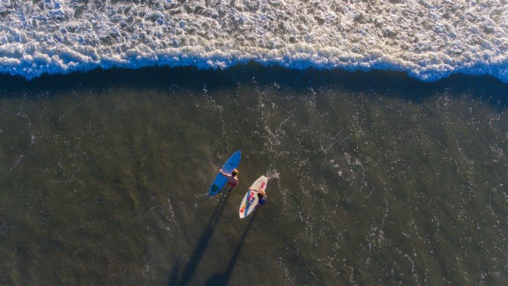 pareja surf