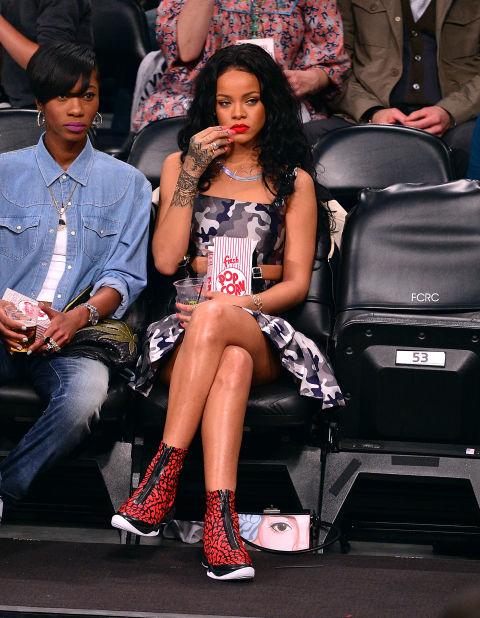 Rihanna super aburrida