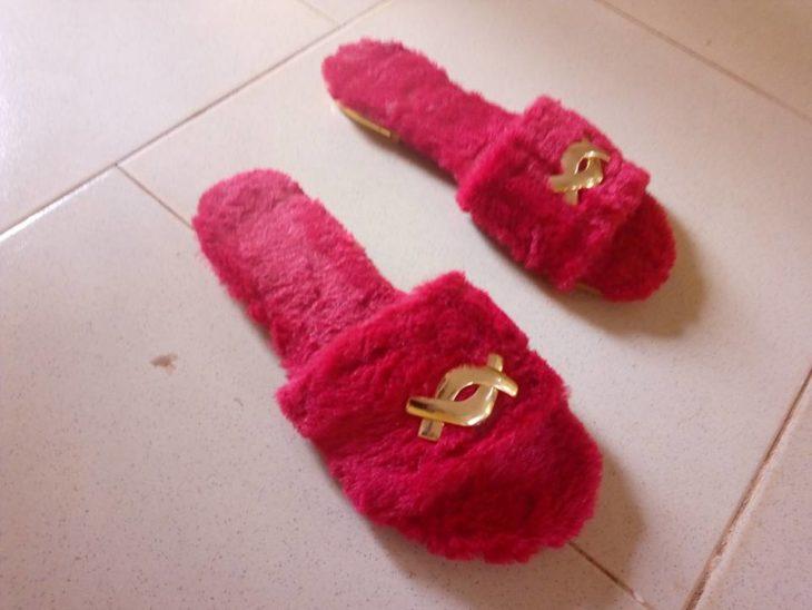 pantuflas rojas de peluche