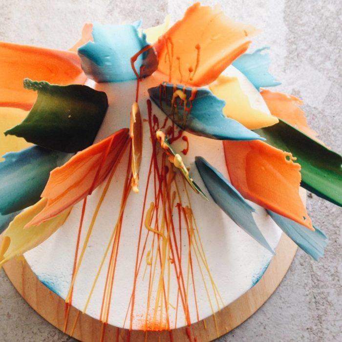 pastel brushstroke naranja