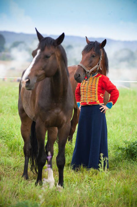 chica cabeza de caballo