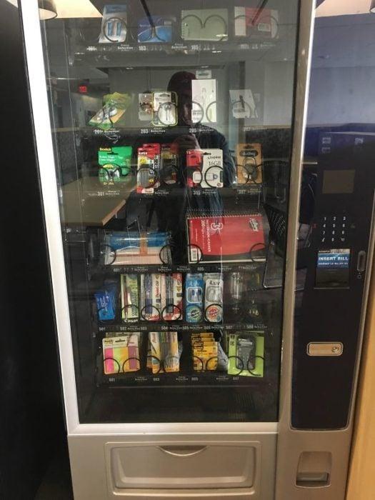 maquina expendedora útiles escolares