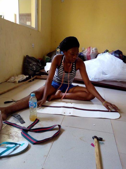 mujer trabajando en diseño