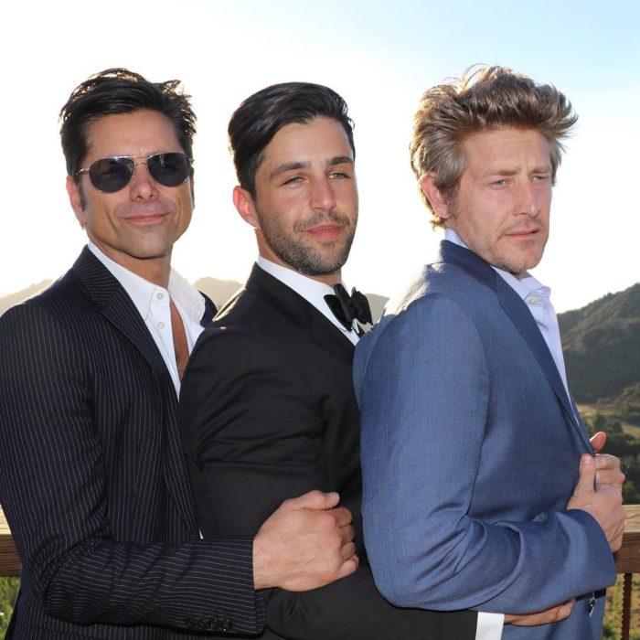 Amigos de Josh el día de su boda