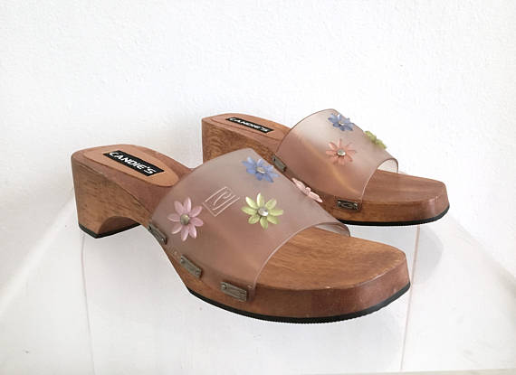 Sandalias de plástico